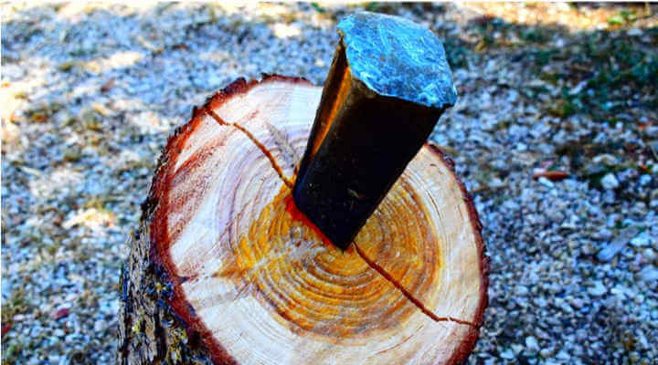 How to Split Wood with a Wedge & Maul (14 Quick Steps)