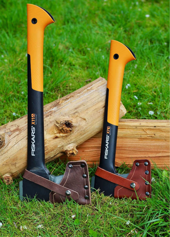 Fiskars x7 and x11 axe