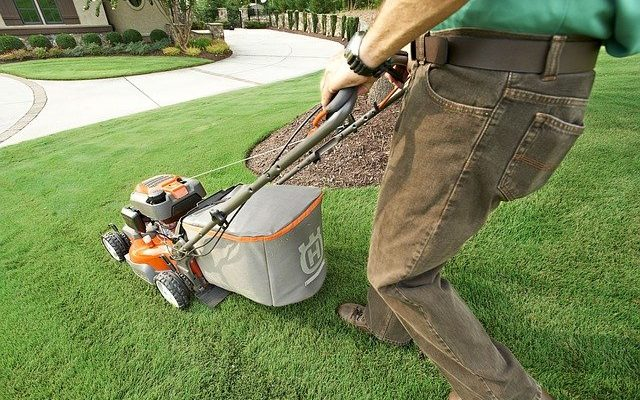 5 Reasons Why Your Lawn Mower Stops Running When Hot